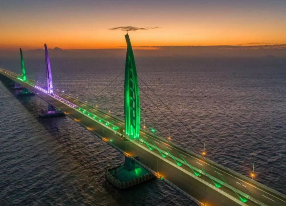 We participates in the navigation light project of hong kong-zhuhai-macao bridge